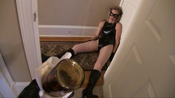 Immerse Yourself: with Serena Voxx